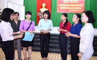 Lãnh đạo huyện Dương Minh Châu tiếp xúc với hội viên, các tầng lớp phụ nữ