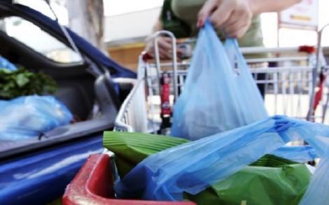 Túi nylon sẽ 'vắng bóng' tại nhiều nước