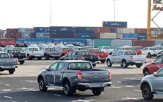 Ôtô miễn thuế tràn về, người dân có mua được xe giá rẻ?