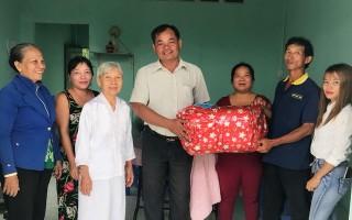 Trao mái ấm tình thương cho hộ nghèo ở Long Thành Nam