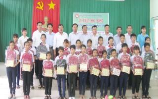 Tiếp sức đến trường cho học sinh Tân Biên