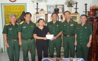 Bộ CHQS tỉnh Tây Ninh thăm gia đình chính sách