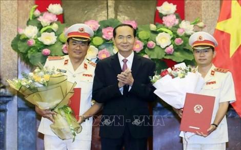 Chủ tịch nước trao quyết định bổ nhiệm 2 Phó Viện trưởng VKSNDTC