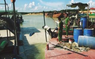 Tăng cường kiểm tra hoạt động khai thác, mua bán, vận chuyển cát trong hồ Dầu Tiếng