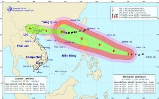 Siêu bão MANGKHUT mạnh cấp 17 hướng vào Bắc Biển Đông