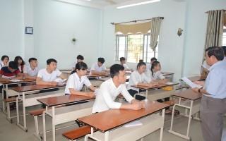 Năm học 2017–2018, toàn tỉnh có trên 500 học sinh bỏ học