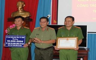 UBND tỉnh: Khen thưởng CA Gò Dầu, Trảng Bàng