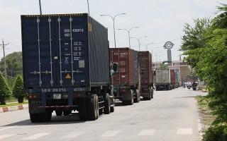 Xử lý tình trạng xe container gây ùn tắc tại Cửa khẩu quốc tế Mộc Bài
