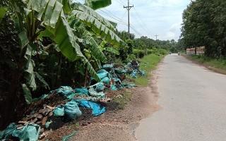 Nghi vấn đổ lén chất thải công nghiệp