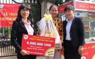 Gò Dầu: Trao vốn khởi sự kinh doanh cho phụ nữ nghèo