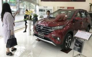 Khách mua Toyota Rush phải kèm phụ kiện tới 80 triệu
