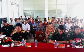 Khai giảng lớp Bồi dưỡng kiến thức quốc phòng an ninh cho các chủ hộ dân sống dọc biên giới