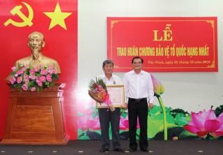 Nguyên Giám đốc CATN nhận Huân chương Bảo vệ Tổ quốc hạng nhất