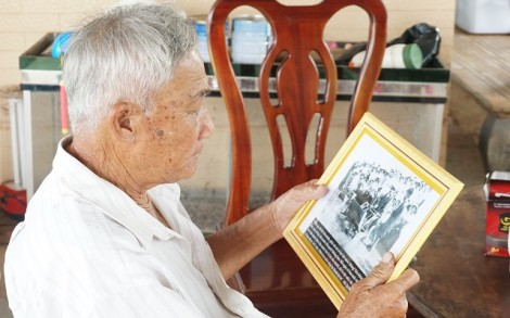 Phong trào tặng ảnh Bác ở Tân Thành