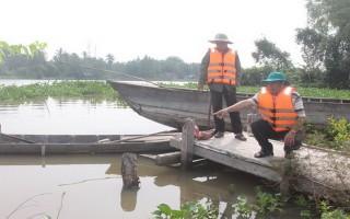Khảo sát tình hình ngập lụt ở xã An Thạnh