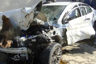 Ô tô tông vào nhà dân, một người chết