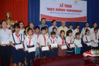 Tập đoàn Vingroup trao 20 suất học bổng cho học sinh Tây Ninh