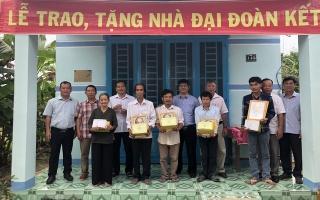 Châu Thành: Bàn giao 5 căn nhà ĐĐK cho hộ nghèo