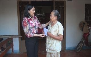 Gò Dầu: Thăm, tặng quà gia đình chính sách và hộ nghèo
