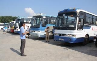 Kiểm tra an toàn kỹ thuật đối với xe khách chở công nhân
