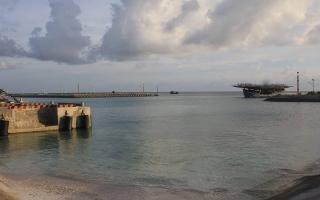 Trung tâm Hậu cần-Kỹ thuật Đảo Sinh Tồn giúp ngư dân phòng tránh bão số 9
