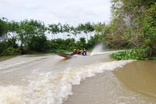 Sông Cái Bát