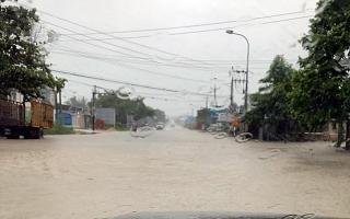Nhanh chóng khắc phục, bảo đảm an toàn giao thông cho người dân sau bão