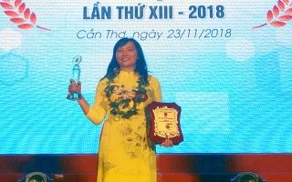 Chị Nguyễn Thị Lan vinh dự nhận Giải thưởng Lương Ðịnh Của