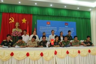 Sơ kết công tác phối hợp phòng, chống tội phạm giữa Tân Châu, Tân Biên (Tây Ninh), Lộc Ninh (Bình Phước) với huyện Memot (Campuchia)