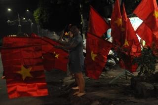 Người dân Tây Ninh đổ ra đường mừng chiến thắng của tuyển Việt Nam