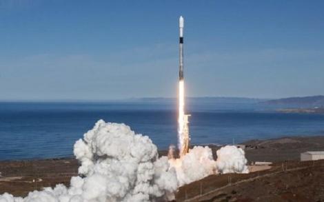 SpaceX phóng cùng lúc 64 vệ tinh lên vũ trụ chỉ bằng 1 tên lửa