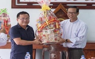 Lãnh đạo tỉnh thăm, chúc mừng Giáng sinh các giáo xứ ở Tân Châu