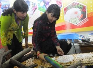 Khai mạc Tuần lễ Văn hoá, du lịch Nghề làm bánh tráng phơi sương Trảng Bàng lần 2