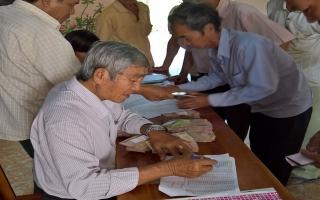 Giải ngân vốn cho nông dân phát triển kinh tế