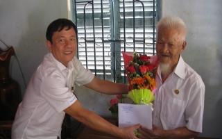 Lãnh đạo tỉnh Tây Ninh thăm, chúc thọ đảng viên