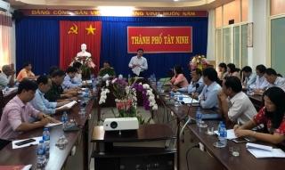 TP.Tây Ninh: Tăng cường kiểm tra xe container, xe khách