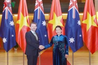 Chủ tịch Quốc hội hội đàm Chủ tịch Thượng viện Australia