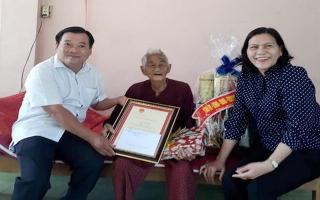 Lãnh đạo tỉnh mừng thọ các cụ 100 tuổi ở Gò Dầu