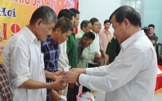 BĐBP Tây Ninh: Mang xuân về với người dân vùng biên