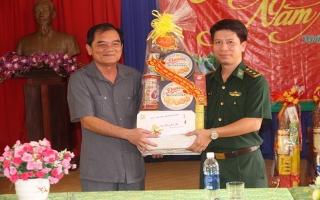 Phó Bí thư thường trực Tỉnh uỷ thăm, tặng quà tết các đơn vị tại Tân Biên