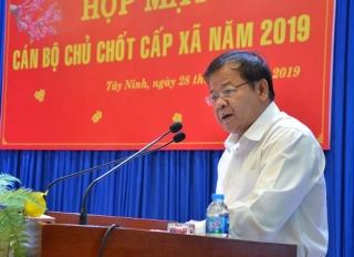 Đội ngũ cán bộ xã là cầu nối quan trọng giữa Đảng với Nhân dân