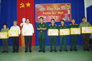 Phó Tư lệnh Quân khu 7 thăm và chúc Tết tại Tây Ninh