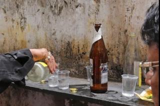 72 người tử vong do uống rượu không rõ nguồn gốc