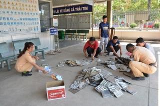 Tân Châu: Tiêu hủy giấy chứng nhận xe mô tô và biển số xe bị hư hỏng, thu hồi
