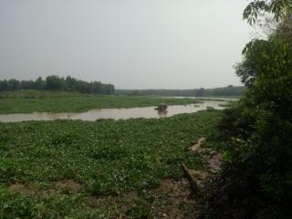 """Sông Sài Gòn tiếp tục bị tàu hút cát lậu """"tấn công"""""""