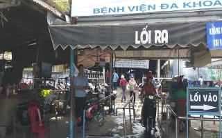 """""""Mập mờ"""" thu phí giữ xe tại BVĐK Tây Ninh"""