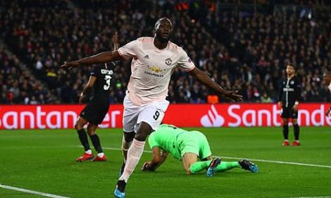 Man Utd loại PSG trong phút bù giờ