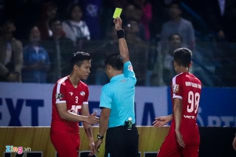 Quế Ngọc Hải bị kỷ luật nội bộ sau trận derby thủ đô