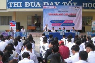 Tân Biên: Tư vấn hướng nghiệp cho học sinh THPT