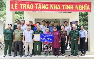 Tân Châu: Trao tặng nhà tình nghĩa